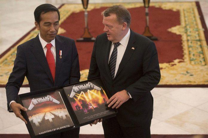 Danimarka Başbakanı, Endonezya Başkanına Metallica Albümü Hediye Etti