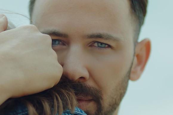 Berksan'dan Yeni Single 'Yok Öyle Dünyam'