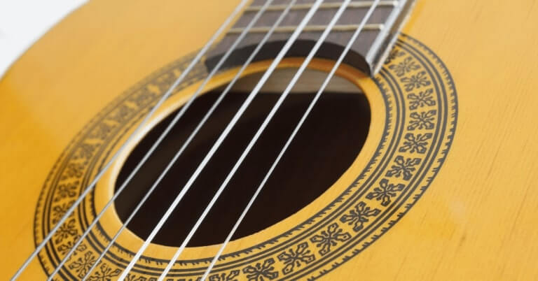 Klasik-Gitar-Teli-Nasil-Degistirilir