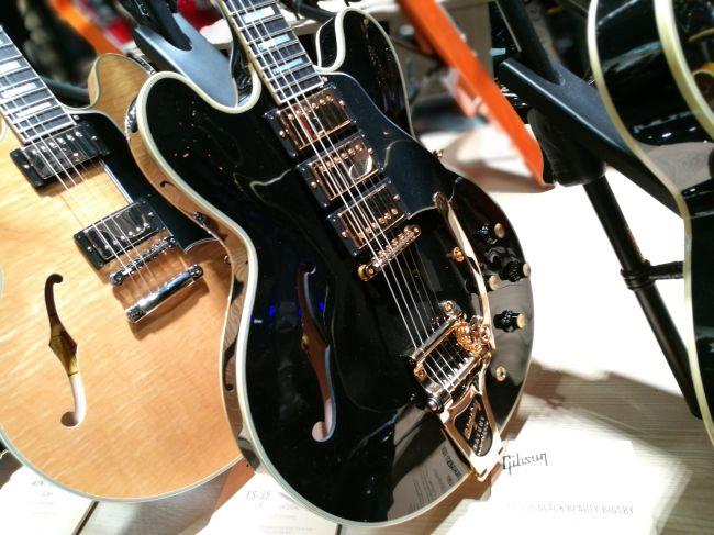 ES-355 Black Beauty Bigsby