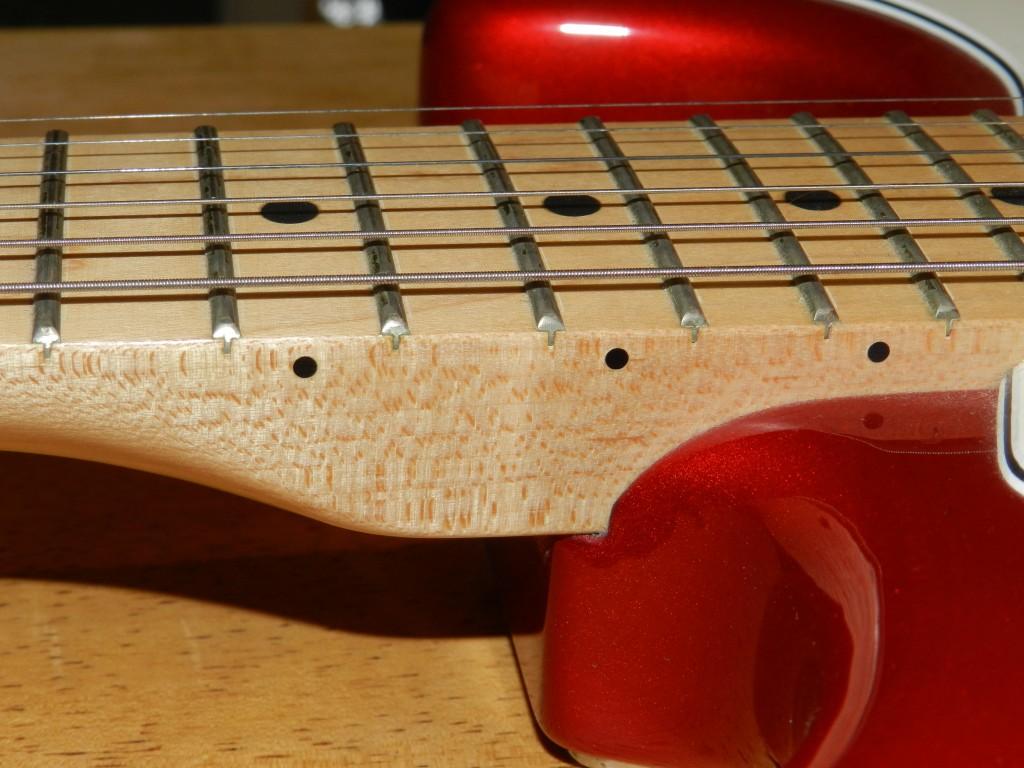 Set Neck Gitar