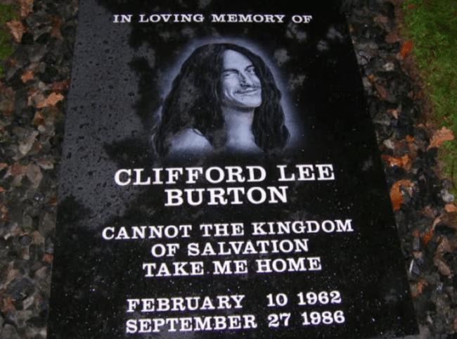 Cliff Burton Anıt Taşı