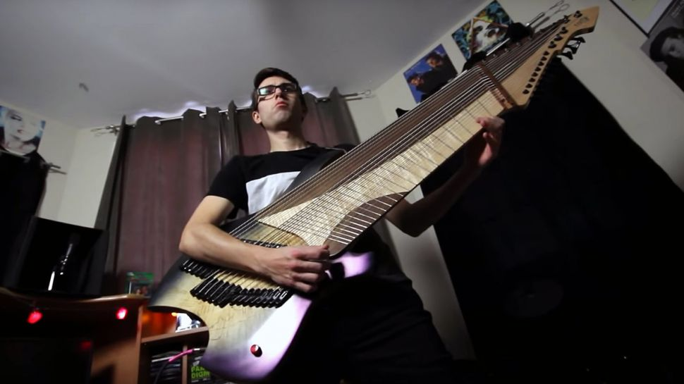 20 Telli Elektro Gitar Görmeye Hazır mısınız?