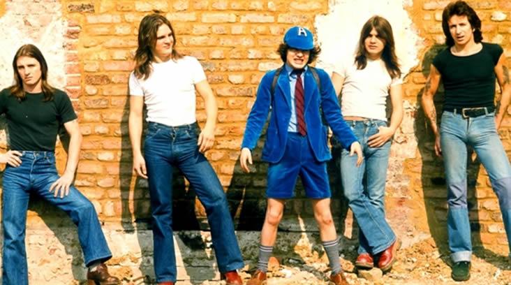 1976'da AC / DC