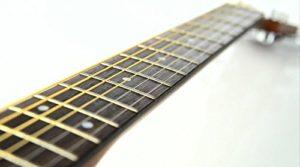 Yamaha-F310-neck