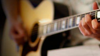 Photo of Gitar İle Çalabileceğiniz 50 Kolay Şarkı ve Gitar Akorları