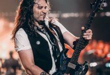 Photo of Bon Jovi'nin Gitaristi Phil X Grubun En İyi Gitar Rifflerini Öğretiyor